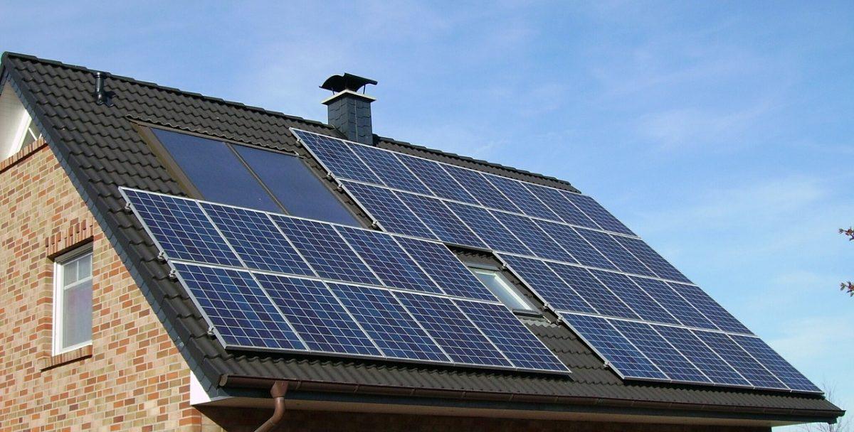 ¿Cuánto podemos ahorrar instalando paneles solares fotovoltaicos en nuestras viviendas?