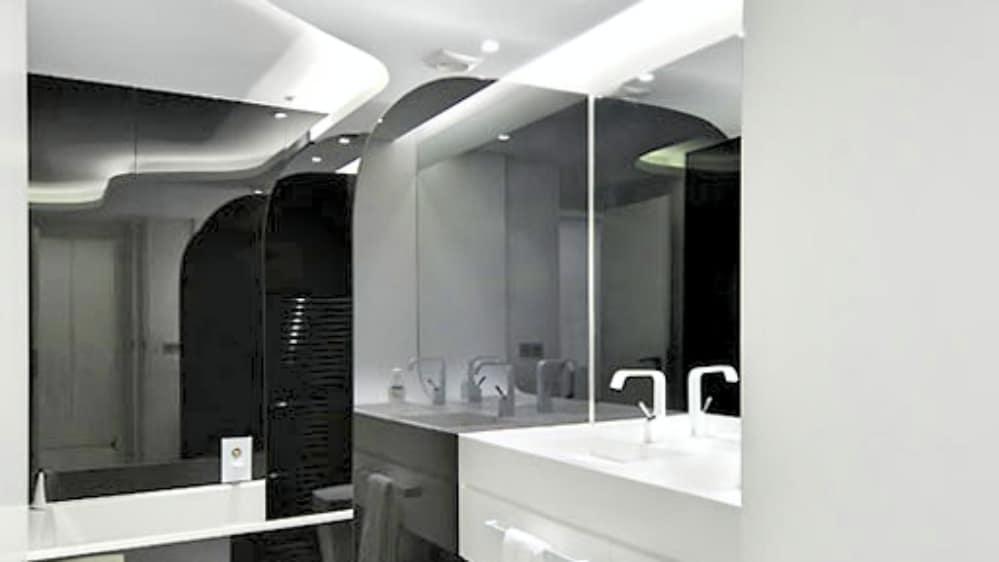 5 vivienda acero baño